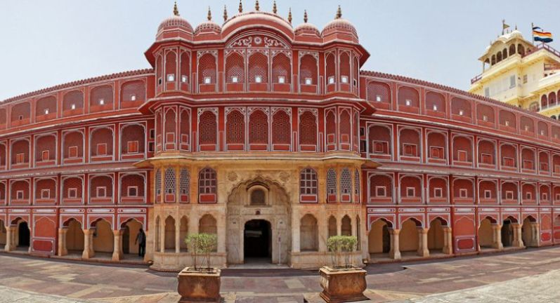 INDIA INDIA GOLDEN TRIANGLE DELHI  AGRA  JAIPUR city palace jaipur 1024x440